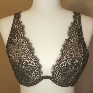 Victoria's Secret Very Sexy Unlined Plunge NWOT